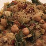 Spaghetti squash with spinach & chickpeas